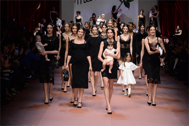 Dolce-and-Gabbana-Fall-2015-Fonte-Vogue-Italia- 50737507dbd